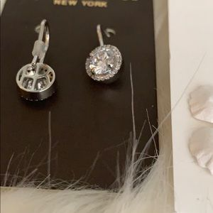 henri bendel Jewelry - NWT HENRI BENDEL SWAROVSKI CRYSTAL DANGLE EARRINGS